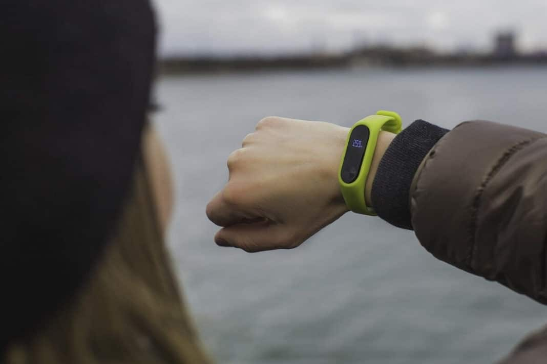 Best Healthcare Wearables to Stay Fit and Active in Everyday Life
