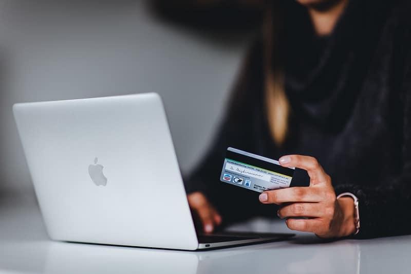 Headless CMS for E-commerce